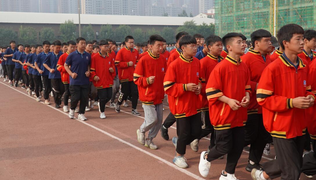 北方学校军训汇演